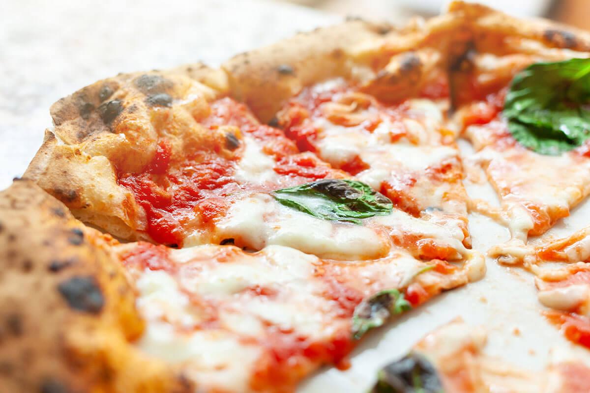 Ricetta Pizza Napoletana Vera.La Vera Pizza Napoletana Quali Sono Le Caratteristiche Dell Originale