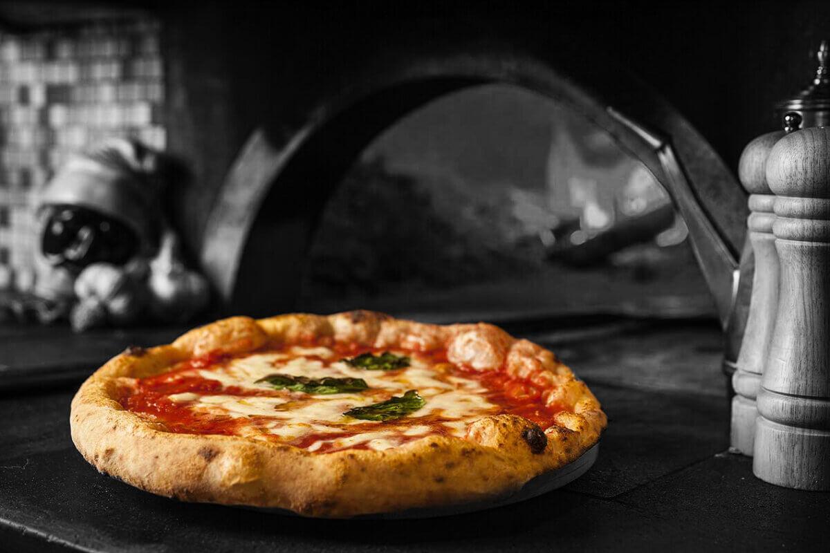L'incredibile storia della pizza
